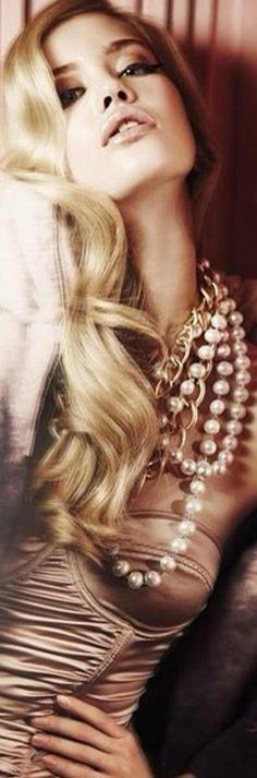 Essence of Fashion ~ Opulent Look ✦ Fashion ✦ Make-up ✦ Hair ✦ Accessories ✦ from my board: https://www.pinterest.com/sclarkjordan/essence-of-fashion-~-opulent-look/