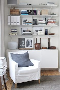Ikea Besta Cabinet & Algot Shelves From 1 Bedroom Apartment Furnishings Ikea Scheme – Room Decoration Ikea Design, Algot Ikea, Track Shelving, Elfa Shelving, Shelving Decor, Open Shelving, Wallpaper Bookcase, Office Wallpaper, Cool Bookshelves