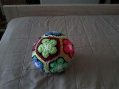 Hačkovaná  farebná  lopta