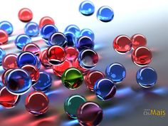 Esferas transparentes coloridas