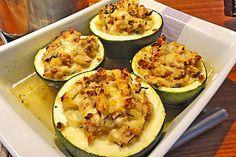 Mini-Kürbisse oder Zucchini mit pikanter veganer Füllung, ein sehr schönes Rezept aus der Kategorie Überbacken. Bewertungen: 2. Durchschnitt: Ø 3,3.