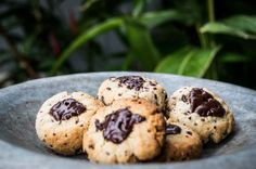 Lots of raw and wholefood recipes. The easiest, most nourishing choc chip cookie ever - Well Nourished - Simple recipes, whole foods, inspired health Almond Recipes, Raw Food Recipes, Simple Recipes, Chip Cookie Recipe, Cookie Recipes, Dairy Free, Gluten Free, Grain Free, Healthy Chocolate Chip Cookies