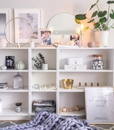 Ikea Billy Bookcase Accessories Inspirational Pin by Sarah Burgess On Live In 2019 Ikea Billy Bookcase, Bookcase Shelves, Libreria Billy Ikea, Decoration Entree, Home And Deco, Apartment Living, Living Room, Room Decor Bedroom, Interior Decorating