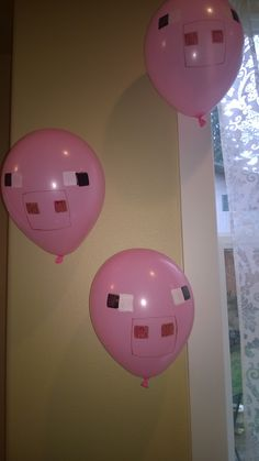 Minecraft decorations - Pigs maybe make these on Chinese lanterns