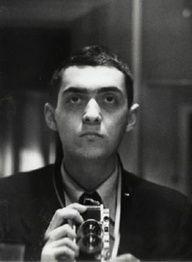Stanley Kubrick - Self-portrait with Leica held vertically (1949).