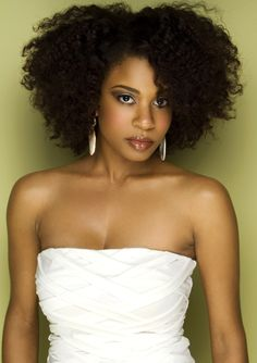 Gorgeous #curlyhairrocks #naturalhair #curlyhair #blackhair #bhi