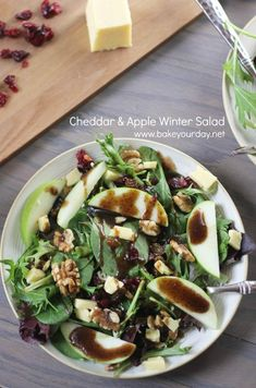 Cheddar & Apple Winter Salad with Balsamic-Feta Vinaigrette. This was a super good salad! Salad Bar, Soup And Salad, Vegetarian Recipes, Cooking Recipes, Healthy Recipes, Winter Salad Recipes, Queso Cheddar, Cheddar Cheese, Clean Eating