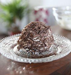 Merveilleux au chocolat, meringue et crème chantilly, la recette d'Ôdélices : retrouvez les ingrédients, la préparation, des recettes similaires et des photos qui donnent envie !