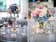 Gosto do da direita para os arranjos maiores de mesas grandes, gosto muito do azul junto.