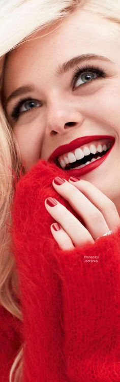 Debbi🦋 Blond, Perfect Red Lips, Colors Of Fire, Dakota And Elle Fanning, Lucky Girl, Beautiful Lips, Just Smile, Pure Beauty, Red Fashion