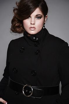 Coat for evening! & pretty make up & hair! Plus size fashions