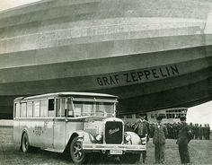 Henschel-Bus unter einem Zeppelin, 1926 Aircraft Painting, Aircraft Design, Vintage Design, Aircraft Carrier, Historical Pictures, Led Zeppelin, Old Pictures, Vintage Photos, Aviation