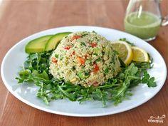 6. Перед подачей выложите на тарелку вымытую и обсушенную зелень, а сверху - салат. Очень аппетитно и необыкновенно вкусно. Приятного аппетита!
