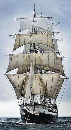 Old Sailing Ships, Us Sailing, Boston Vacation, Yacht Boat, Tug Boats, Sail Away, Ship Art, Tall Ships, Belle Photo