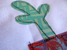 Raw Edge Applique How to - Video -such a simple way to finish the project. love the raw edge look!