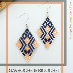 Boucles d'oreilles en losange - bleu marine et orange corail - en brickstitch