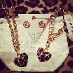 Guess accessories<3