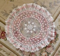 Beautiful Vintage Pink and White Crochet Lace by Jenneliserose