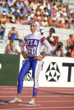 Long before athleisure, there was Florence Griffith Joyner, who blazed colorful trails in fashion as she left competitors in the dust. Flo Jo, Great Women, Fit Women, Black Women, Florence Griffith Joyner, Olympic Track And Field, Track Field, Olympic Athletes, Sport Icon