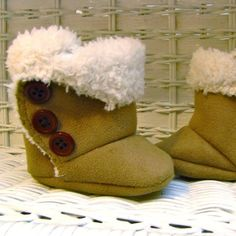 Check out the adorable baby boots!! You can buy the pattern here... $4.50... @Jessie Eskew I think you should try it!