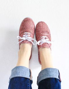How to Make Glitter Shoes