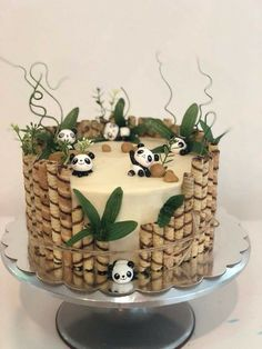 Get ready for Camilla's birthday - radakido - - Festtagstorten - Desserts Cute Cakes, Pretty Cakes, Beautiful Cakes, Amazing Cakes, Bolo Panda, Just Desserts, Dessert Recipes, Panda Cakes, Panda Bear Cake