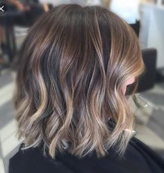 35 Balayage Hair Color Ideas for Brunettes in The French hair coloring tec. - - 35 Balayage Hair Color Ideas for Brunettes in The French hair coloring technique: Balayage. These 35 balayage hair color ideas for brunettes in . Balayage Hair Bob, Balayage Highlights, Short Balayage, Balayage Color, Balayage Hairstyle, Caramel Highlights, Auburn Balayage, Brunette Balayage Hair Short, Balayage Straight