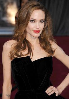 Angelina Jolie: Repasamos 40 de sus 'looks' más icónicos - Foto 33