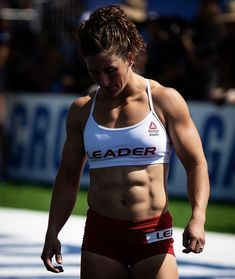 Crossfit Body, Crossfit Women, Reebok Crossfit, Cool Poses, Muscle Girls, Fit Chicks, Powerlifting, Weight Lifting, Gym Workouts
