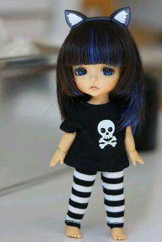 If Lily had her own Momiji doll, she might dress something like this. Cute little lati kitten! Cute Baby Dolls, Cute Toys, Cute Babies, Beautiful Barbie Dolls, Pretty Dolls, Tiny Dolls, Blythe Dolls, Chica Gato Neko Anime, Momiji Doll