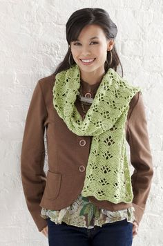 Free crochet pattern for Wrap It Up Scarf - LOVE this scarf! Must make.