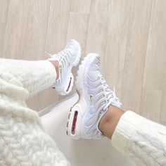 White and gold Air Max 95 | Style Inspiration