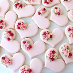 Wedding Cake Cookies Decor Ideas ★ See more: www.weddingforwar… Wedding Cake Cookies Decor Ideas ★ See more: www. Valentines Day Cookies, Valentine Desserts, Valentine Ideas, Printable Valentine, Valentine Nails, Homemade Valentines, Valentine Wreath, Valentine Box, Valentine Crafts