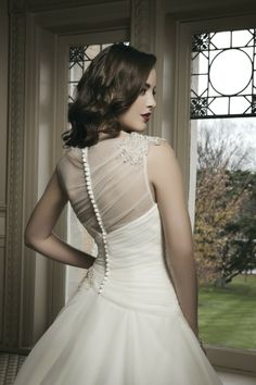 Style #8685 | A sophisticated wedding gown with a gorgeous back | #ballgown | #weddings | Justin Alexander
