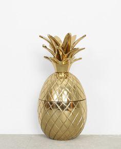 BOITE ANANAS DORE - GRAND FORMAT - PIMKIE HOME http://www.pimkie.fr/p/grande-boite-ananas-metal-dore-902837G06A0G.html
