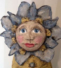 papier mache doll Paper Mache Crafts For Kids, Paper Crafts, Paper Glue, Paper Art, Clay Dolls, Art Dolls, Origami, Paper Mache Sculpture, Paperclay