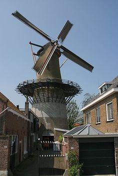 Zierikzee molen De Hoop met zeilen, Zeeland, Netherlands