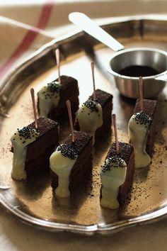 Copper Pick - IRRE Panna Cotta, Yummy Yummy, Pudding, Tableware, Ethnic Recipes, Desserts, Food, Scene, Tailgate Desserts