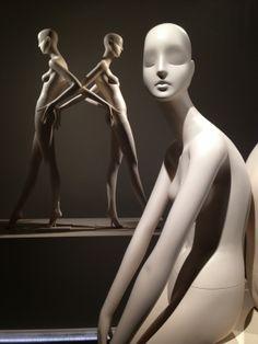 Bonaveri, Aloof mannequin range, pinned by Ton van der Veer