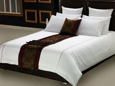 Bedroom : Harmonious Classic Bedroom Decoration Along With Turquoise Bed Linen Plus White Pillows And Blanket Together With Black Wooden Bed Frame In Conjunction With Decorative Bedroom Wall Art Designing The Comfortable Bed Linens Daybeds. Victorian. Curtains.