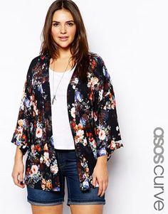 Aumentar Kimono con diseño floral oscuro exclusivo de ASOS CURVE
