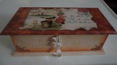 caixa com decoupage romântica.