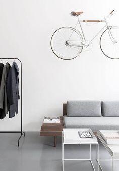 Spaces! Entdecke jetzt — Kleiderstangen: http://sturbock.me/77Q — Fahrradzubehör: http://sturbock.me/BsQ — Beistelltische: http://sturbock.me/DRc