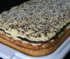 """Prajitura """"Craciunita"""" - Prajitura de casa cu doua blaturi Romanian Desserts, Romanian Food, Almond Flour Biscuits, Diy Food, No Bake Cake, Hot Dog Buns, Cake Recipes, Sweet Tooth, Bakery"""