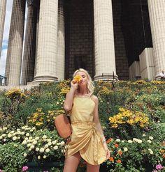 Noor De Groot in Paris