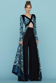 Ulyana Sergeenko look-book. Ulyana Sergeenko's Haute Couture spring 2015 - PARIS Fashion Week, Look Fashion, High Fashion, Fashion Show, Dress Fashion, Fashion Art, Trendy Fashion, Vogue Fashion, Fashion Spring
