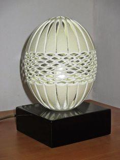 OVODECOR: Candeeiro em ovo de Avestruz