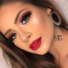 15 Ideas bridal makeup natural wedding day make up lips for 2019 Makeup Looks For Red Dress, Red Dress Makeup, Red Lipstick Makeup, Bridal Makeup Red Lips, Bride Makeup, Glam Makeup, Eye Makeup, Hair Makeup, Wedding Makeup