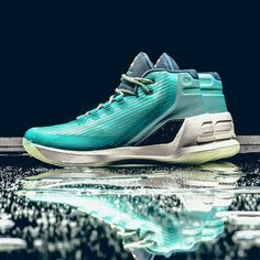 Under Armour Curry 3 #sneakernews #Sneakers #StreetStyle #Kicks