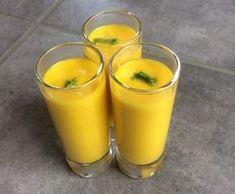 Une soupe froide aux carottes, curry et citron vert